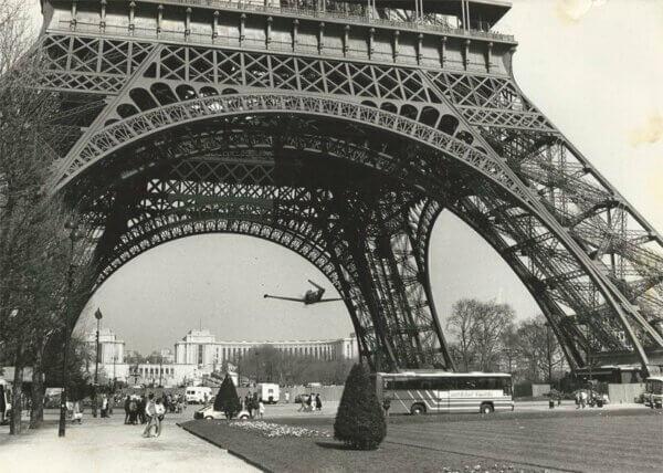 Bonanza under Eiffel Tower