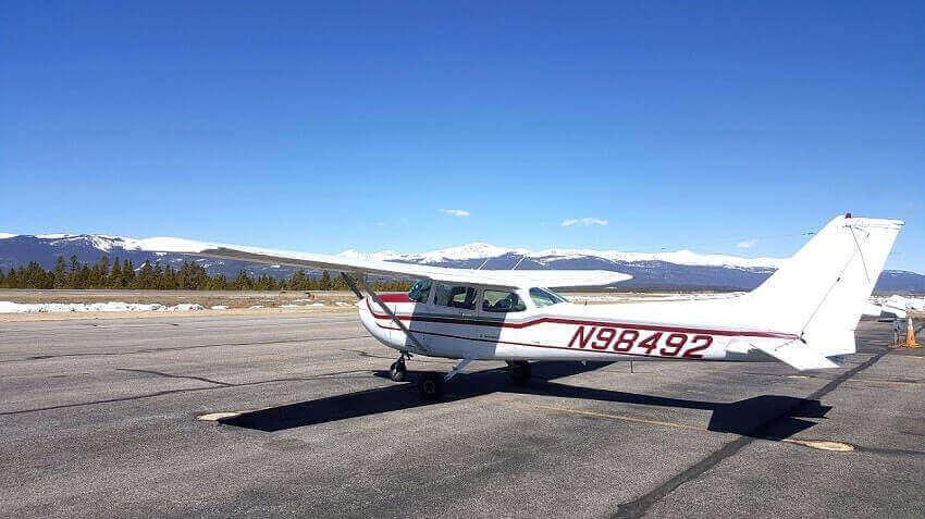 Cessna 172P, N98492
