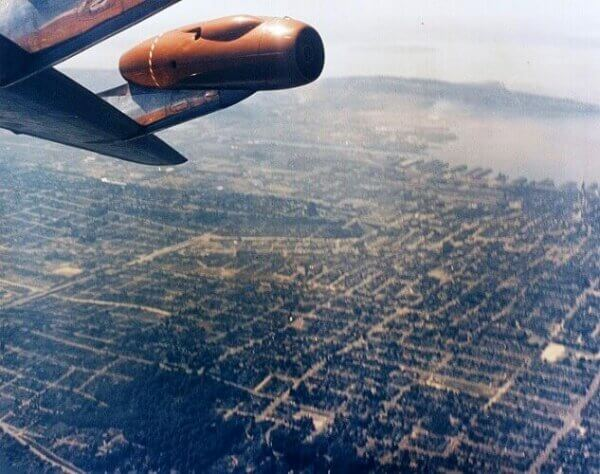 The Incredible Story of the Boeing 707 Barrel Roll over Lake Washington
