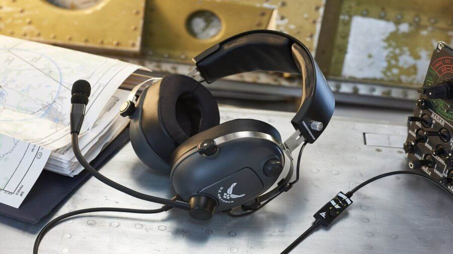 The Best Flight Simulator Headphones in 2021 & How To Pick the Right One