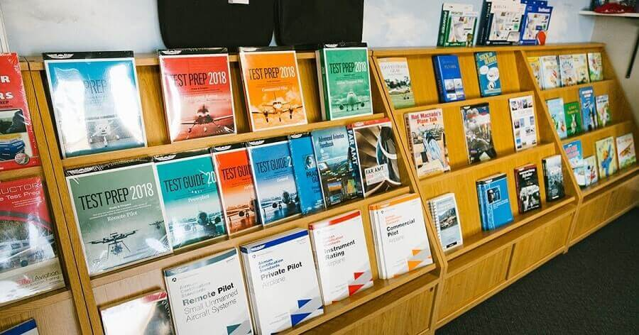 10 Books That Will Help Every Student Pilot