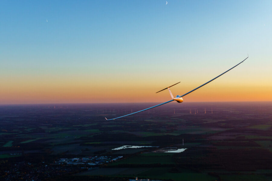 How to Become a Glider Pilot in 2021: Everything You Need to Know