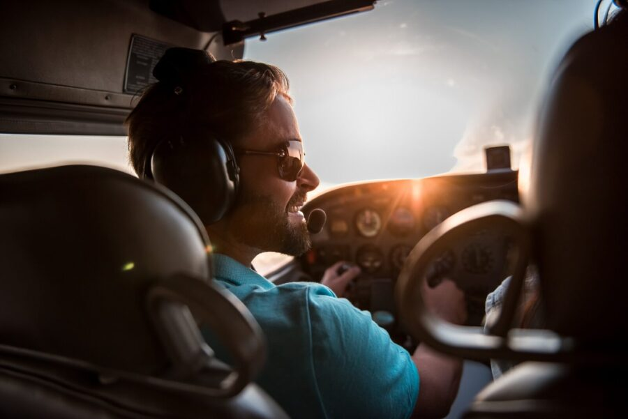 The Best Aviation Headsets for Student Pilots in 2021